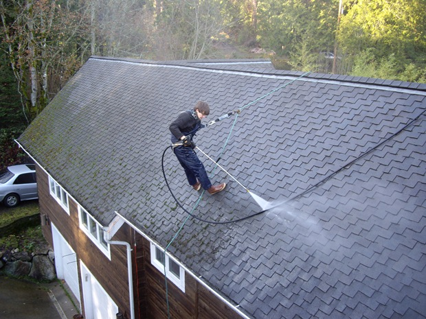 Roof cleaning, gutter cleaning in Seattle. We offer quality services at competitive pricing. Talk to us now.