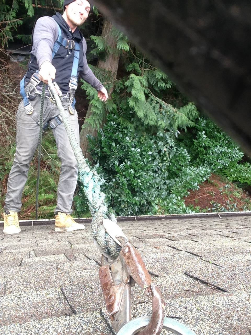 Home cleaning, home improvement, gutter cleaning, moss removal services providers in Bainbridge. Call us now